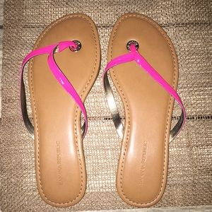 Banana republic pink flip flops